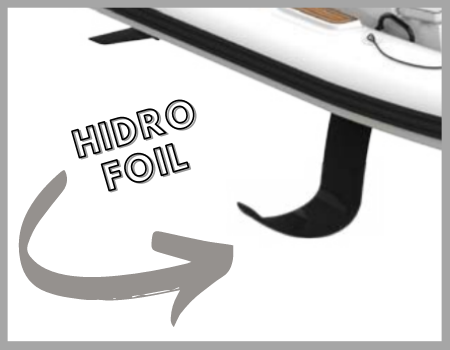 detalle de hidrofoil en barca semirrigida