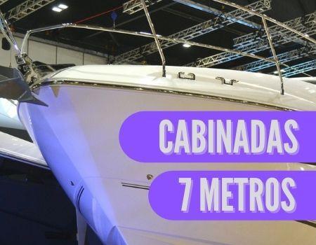 proa de una barca cabinada de 7 metros