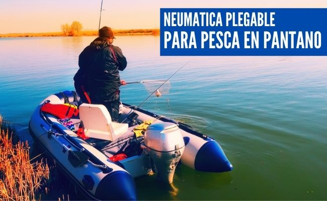 lancha neumatica pescando en un pantano