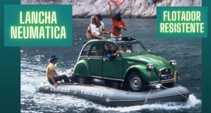 lancha neumatica zodiac navegando con un coche encima para comprobar resistencia de peso en flotadores